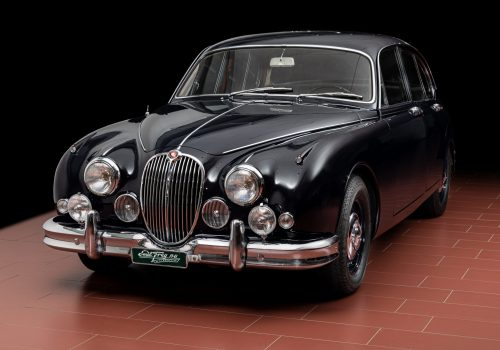 01 Jaguar MK2_Front