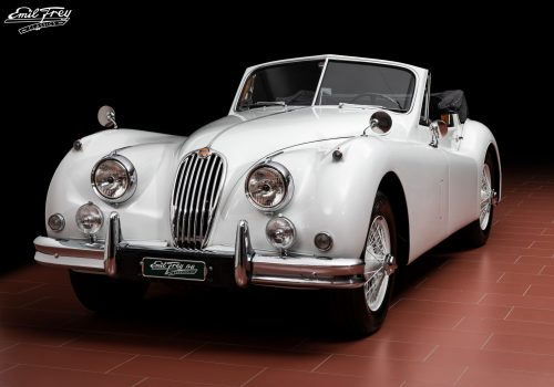 01 Jaguar XK140 Weiss_vorne